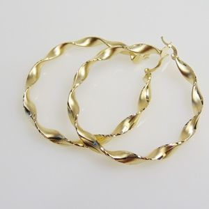 Ladies 10KT Yellow Gold Twisted Hoop Earrings